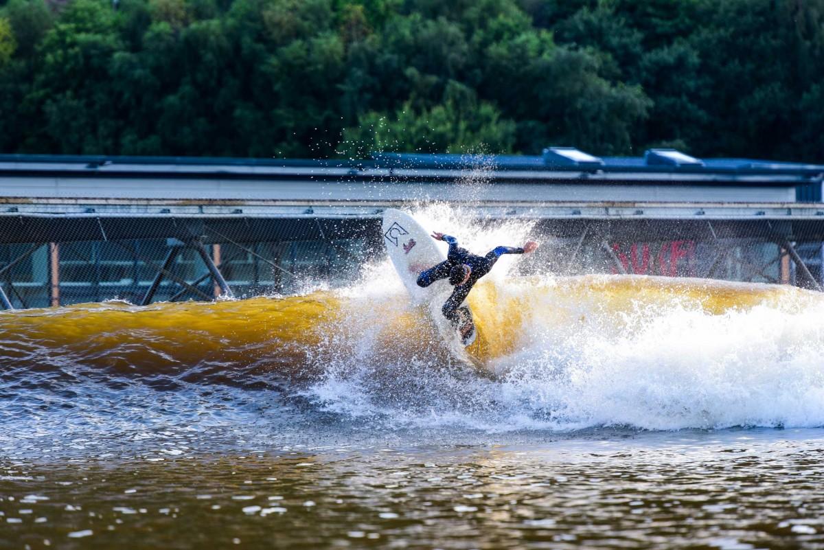 Surf Snowdonia - alt_image_gallery