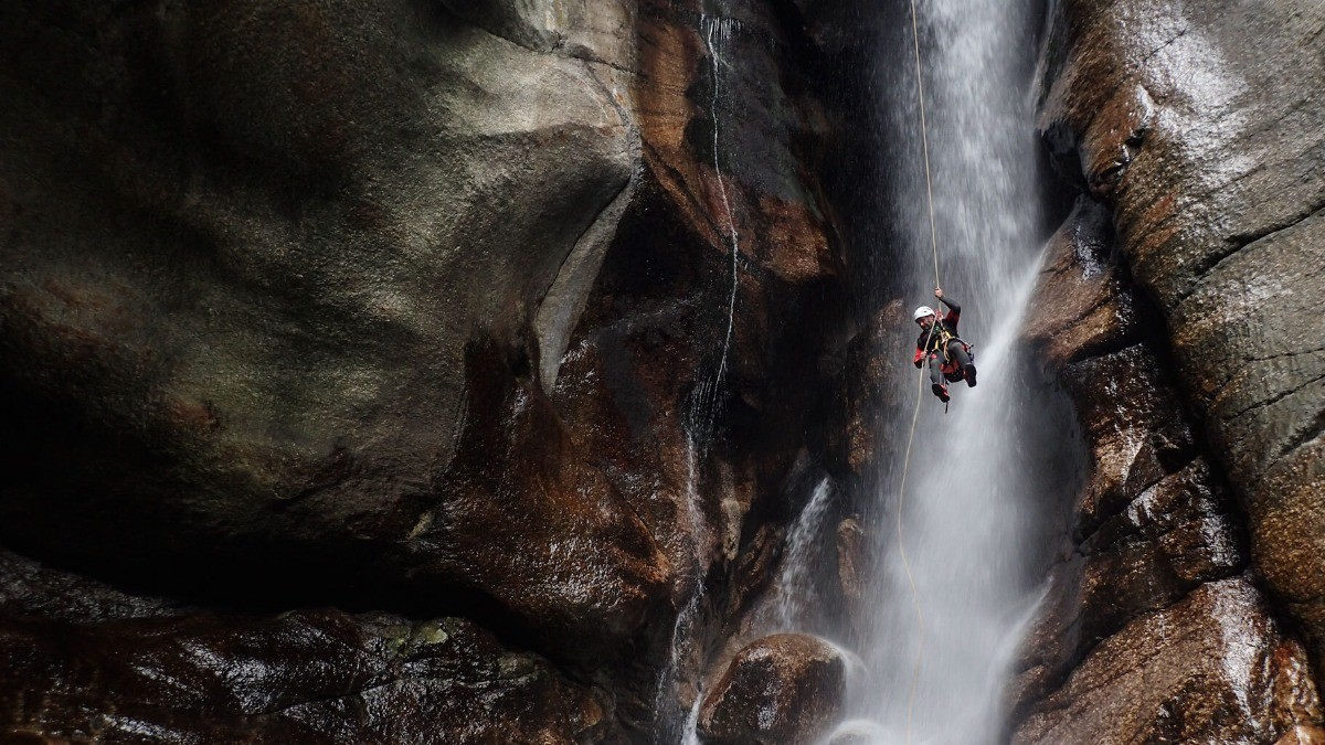 INTERVIEW Meet Jerome Lacou, canyoning praticienne