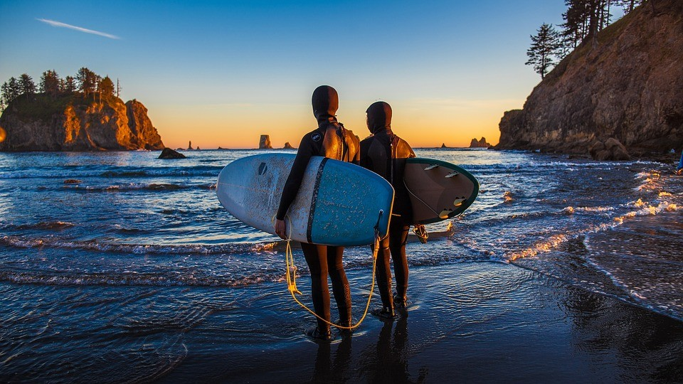Surf session in duo