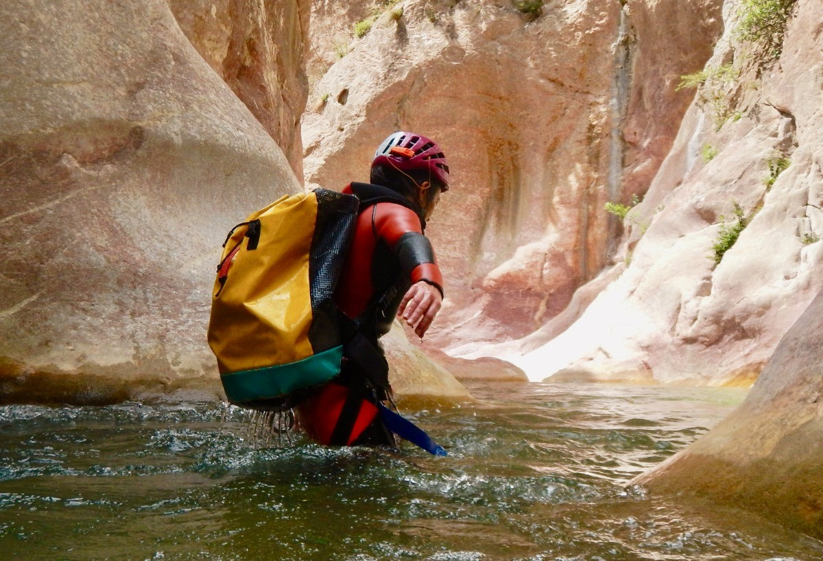 Guara suits using in canyoning