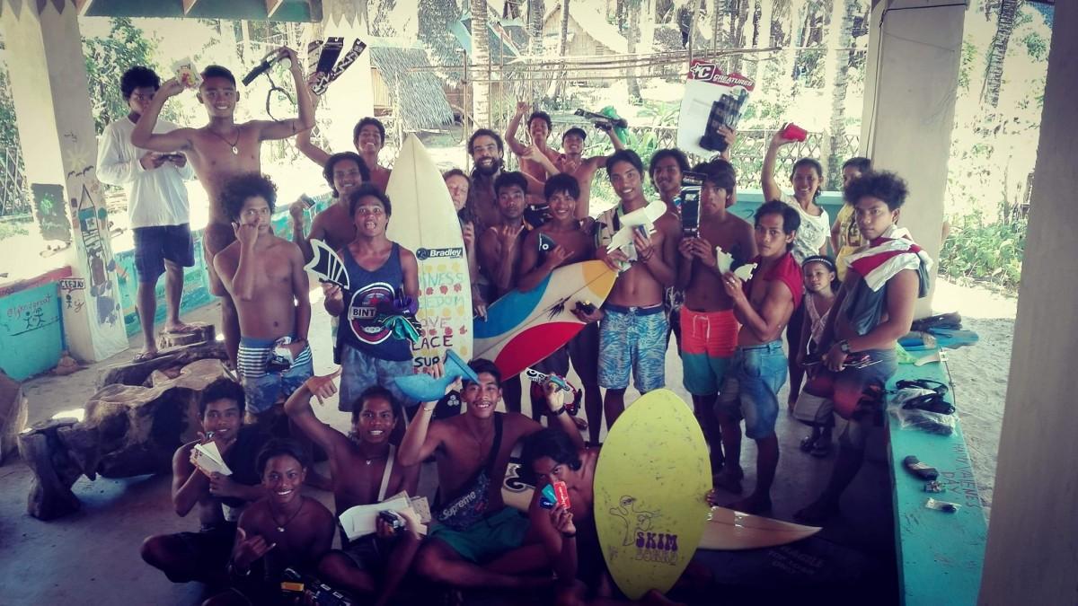 Groupe de surfeurs