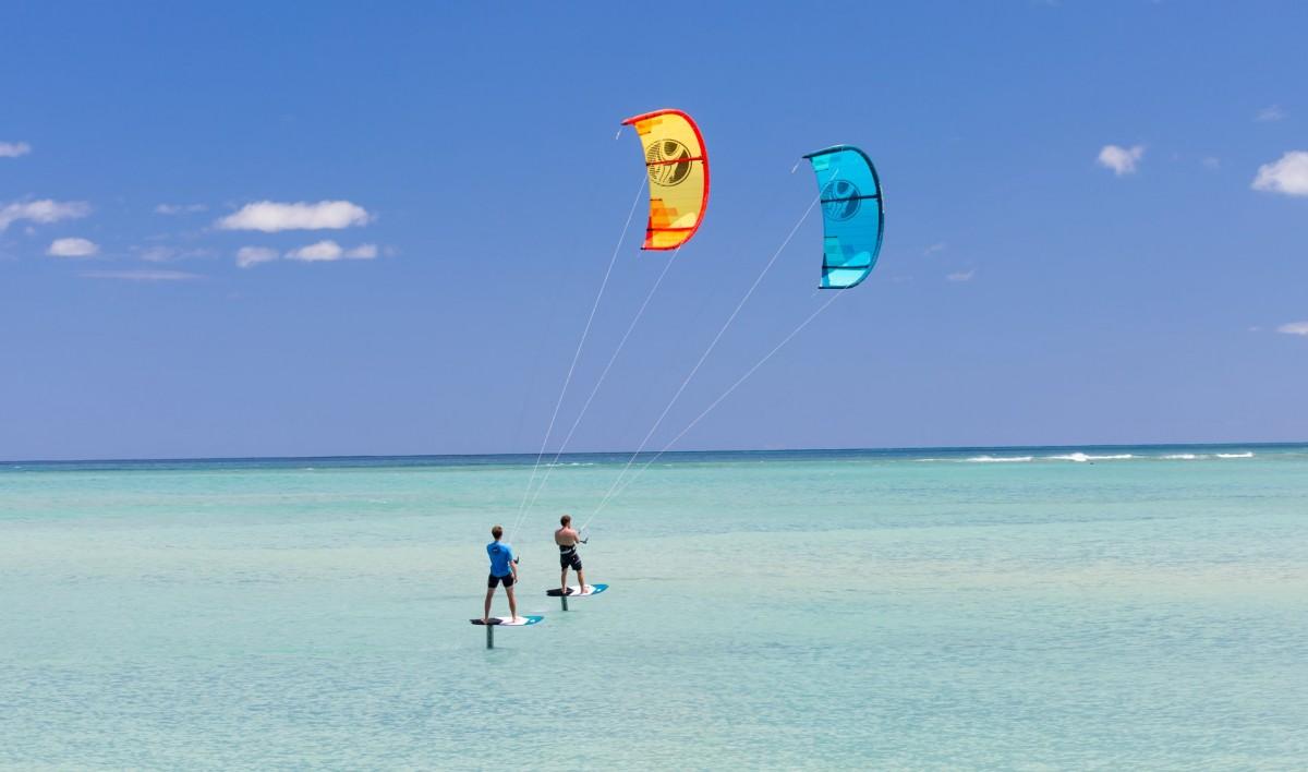 Kitesurfing and foil