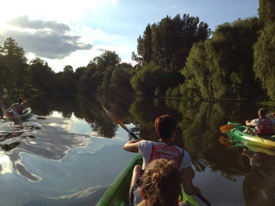 canoe kayak Dordogne water