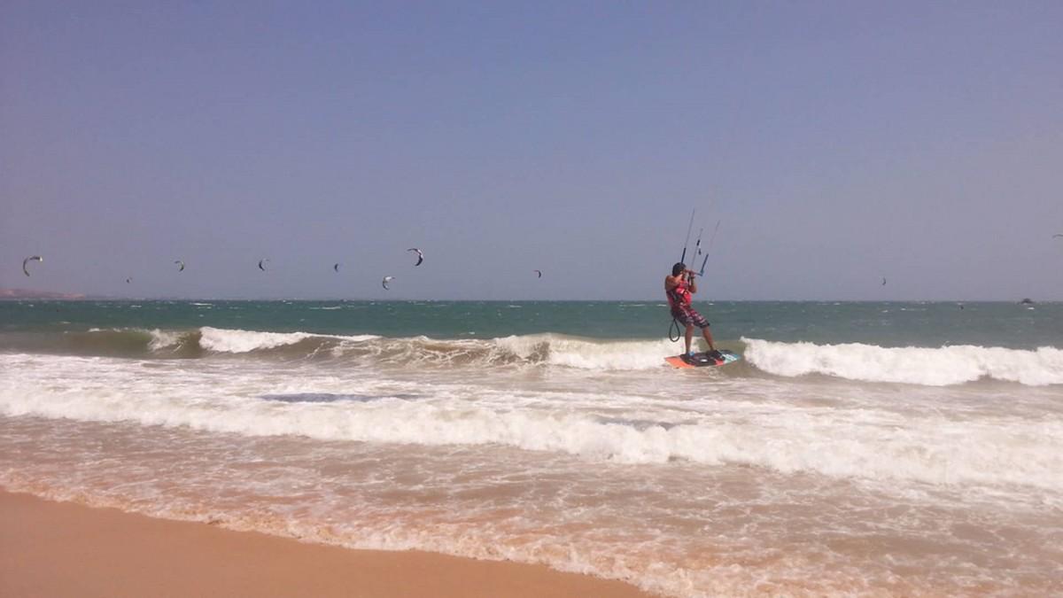 vietnam kitesurfing