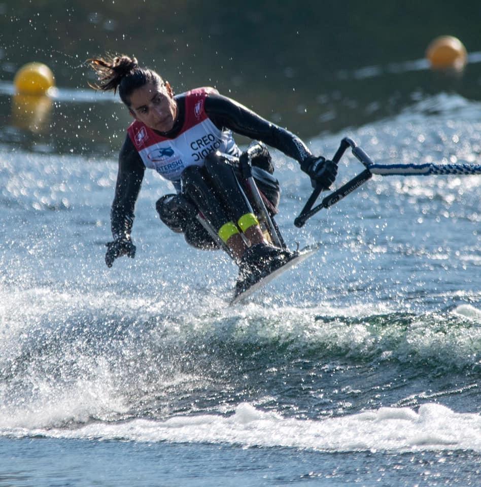 Championne du monde para ski nautique