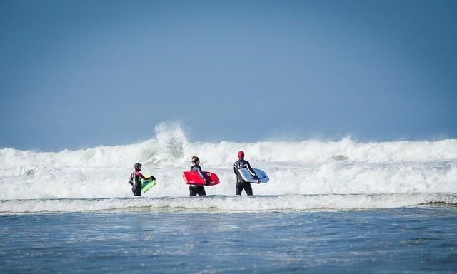 Vague surf mer
