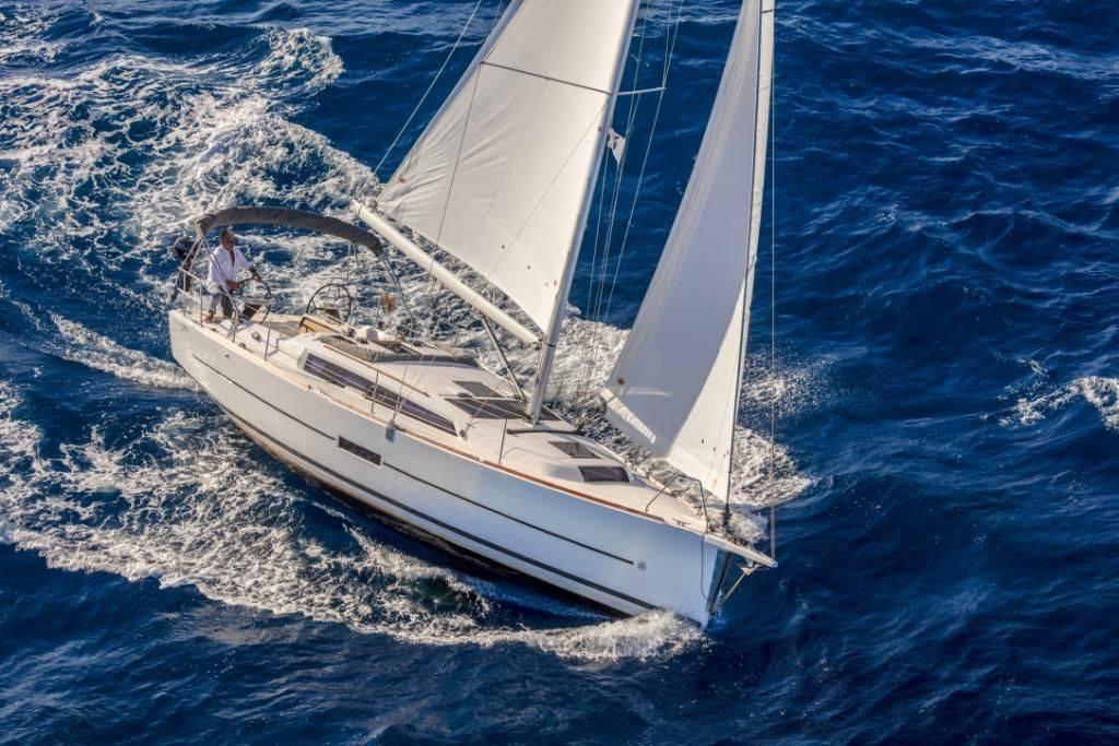 sailboats in navigation