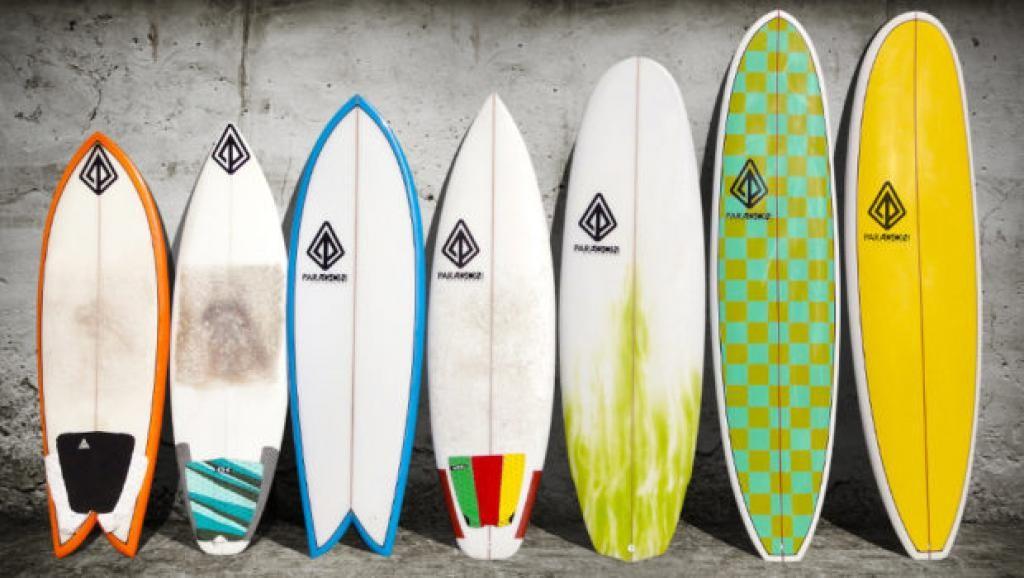 Petites et grandes planches de surf